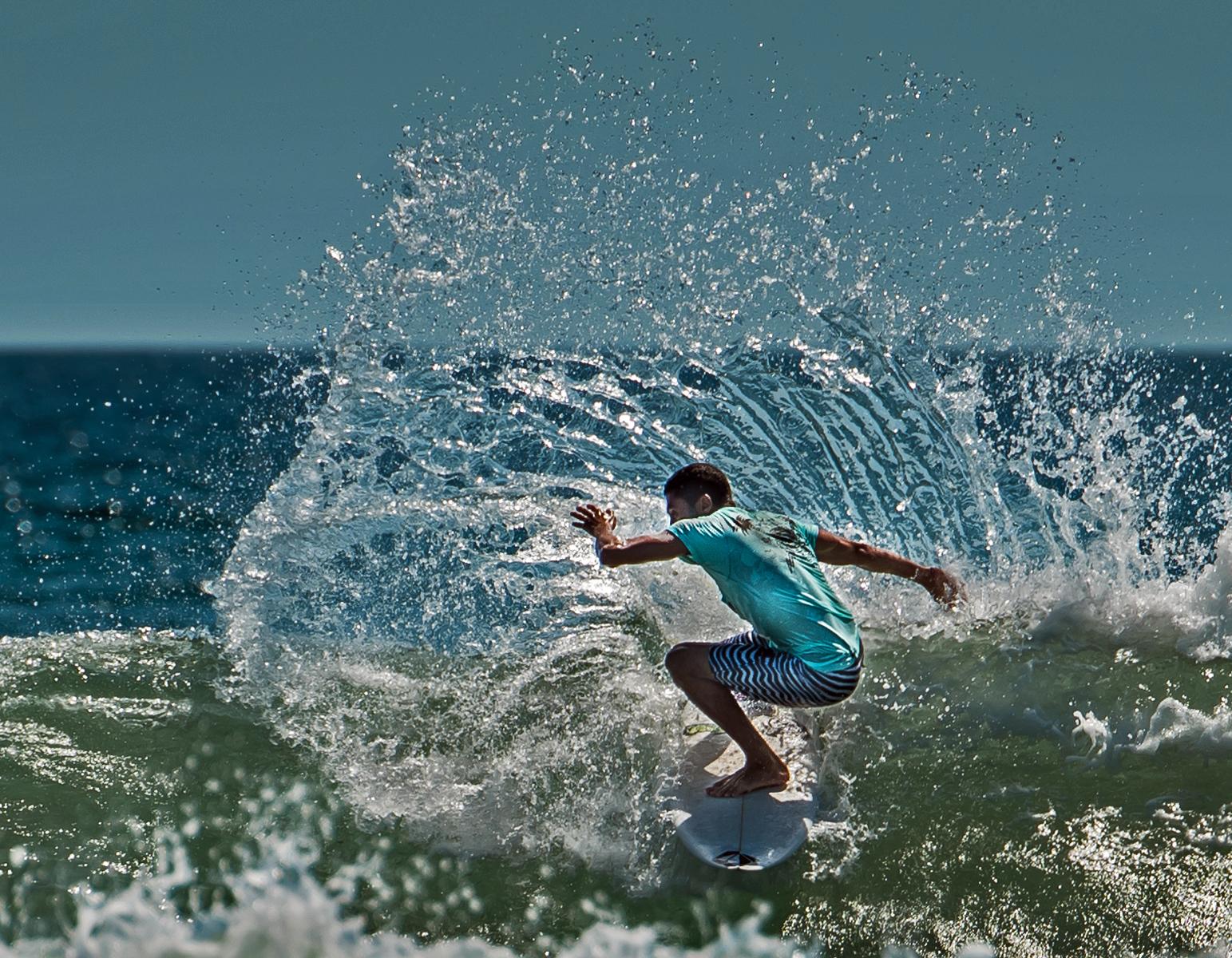 Members' Choice PDI Winner - Making a Splash, by Keith Greig